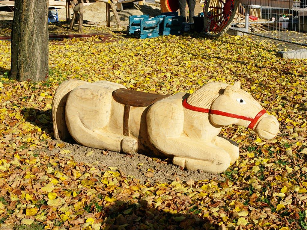 Pferd liegend